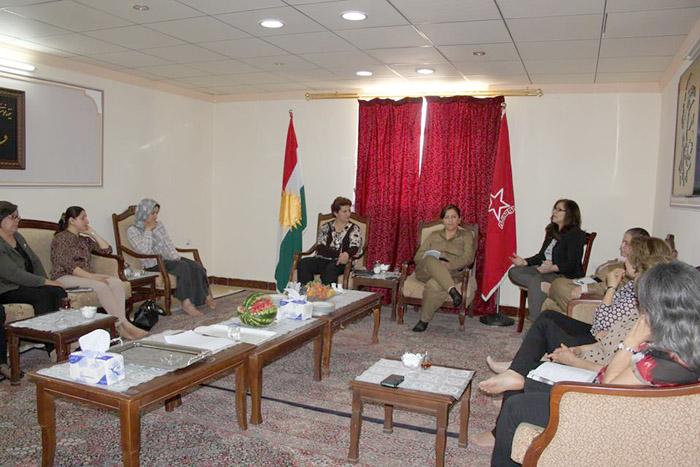 ناوەندی رێكخراوەكانی ژنانی رۆژهەڵاتی كوردستان دامەزرا + وێنە